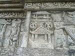 Relief aneka bentuk rumah di Candi Jago